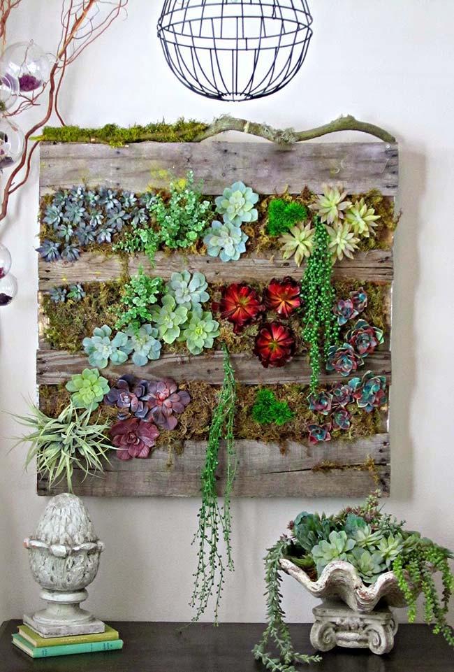 Mais do que um jardim vertical, uma obra de arte na parede