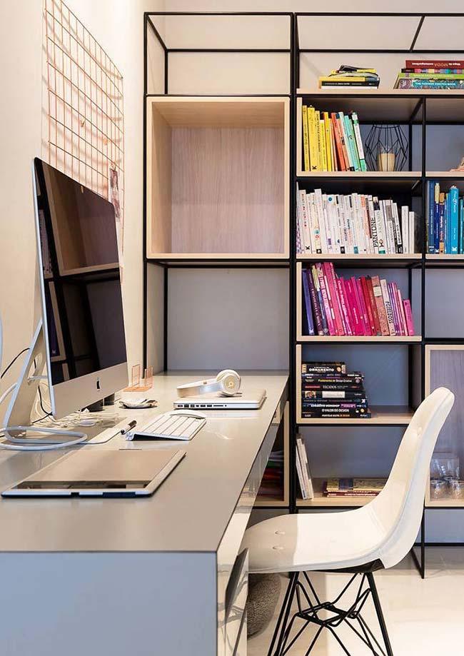 Móveis laqueados: home office com móveis laqueados em cores neutras