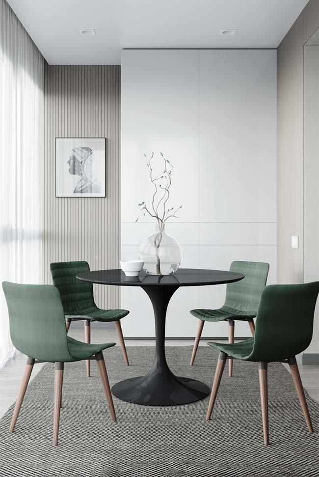 Móveis laqueados: mesa preta em laca é pura elegância