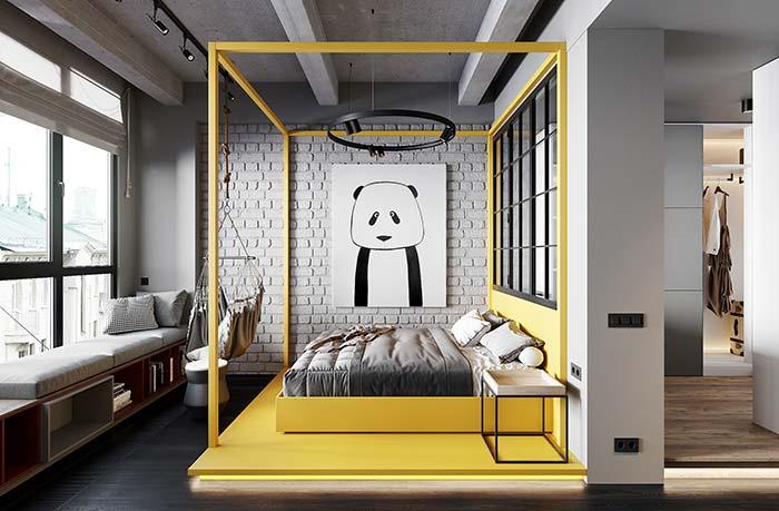 Móveis laqueados: quarto cinzento ganhou cor e vida com a cama laqueada amarela