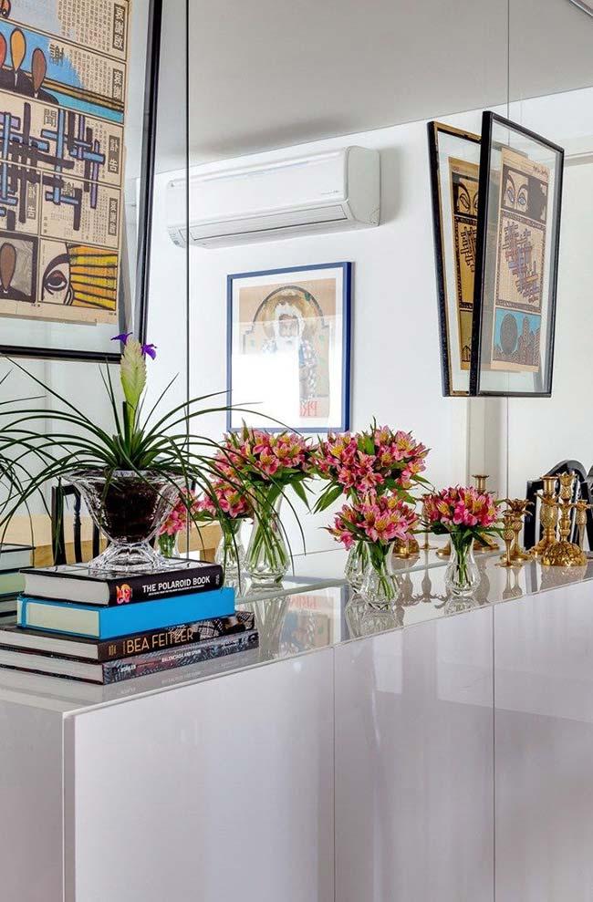 Acabamento impecável dos móveis laqueados é ideal para ambientes com proposta elegante e sofisticada