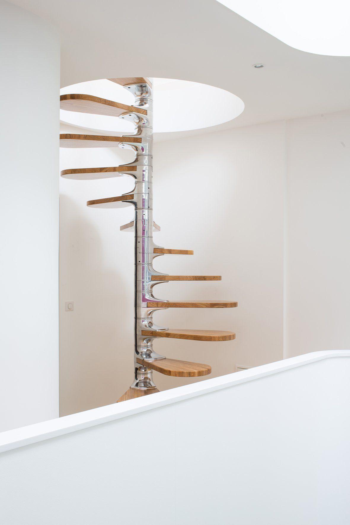 Escada espiral em aço inox