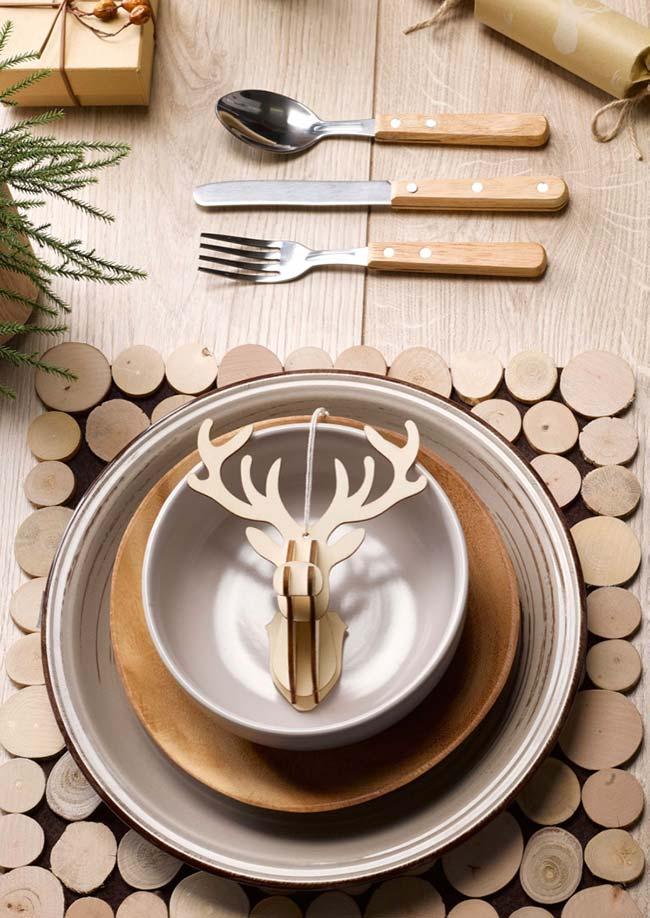 Outra mesa de Natal rústica sem perder o estilo do design