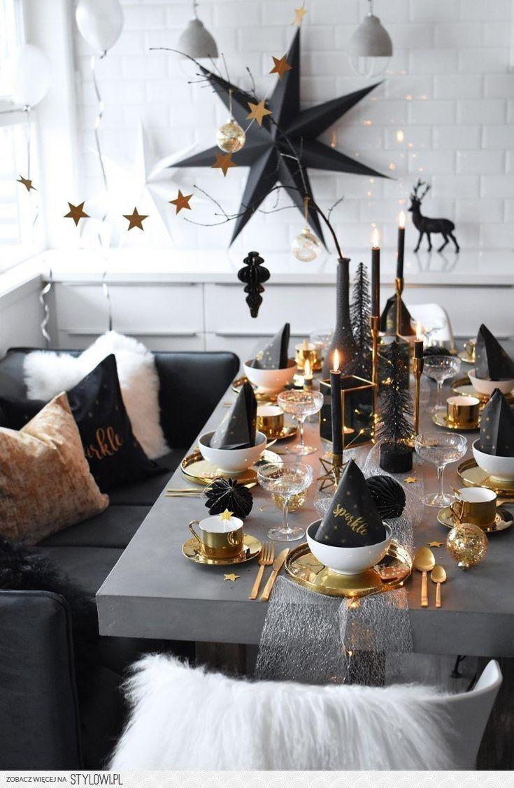 Mesa de natal em preto e dourado