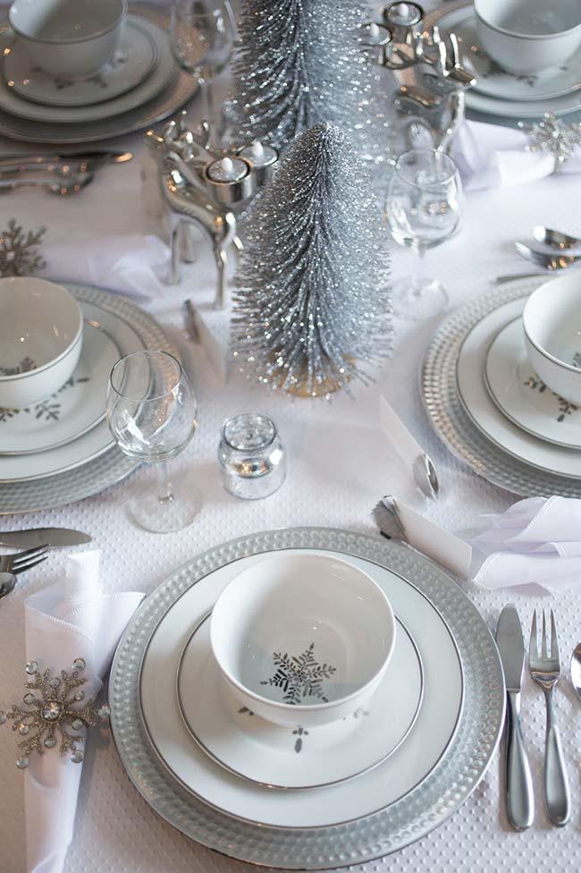 Mesa de Natal em branco e prateado