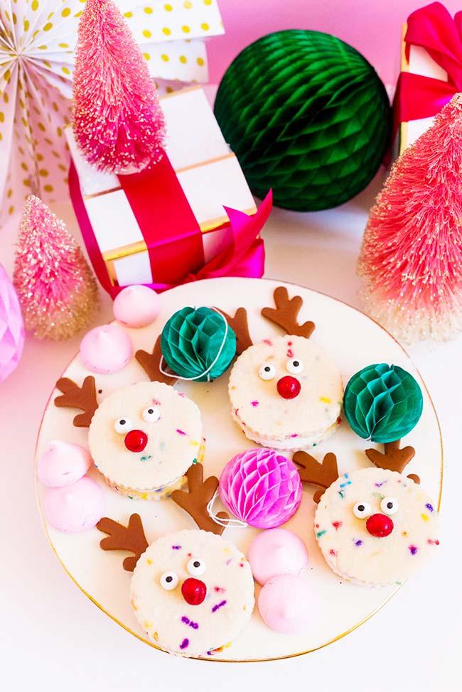 Transforme o Natal em uma celebração divertida e com personagens e cores para alegrar as crianças