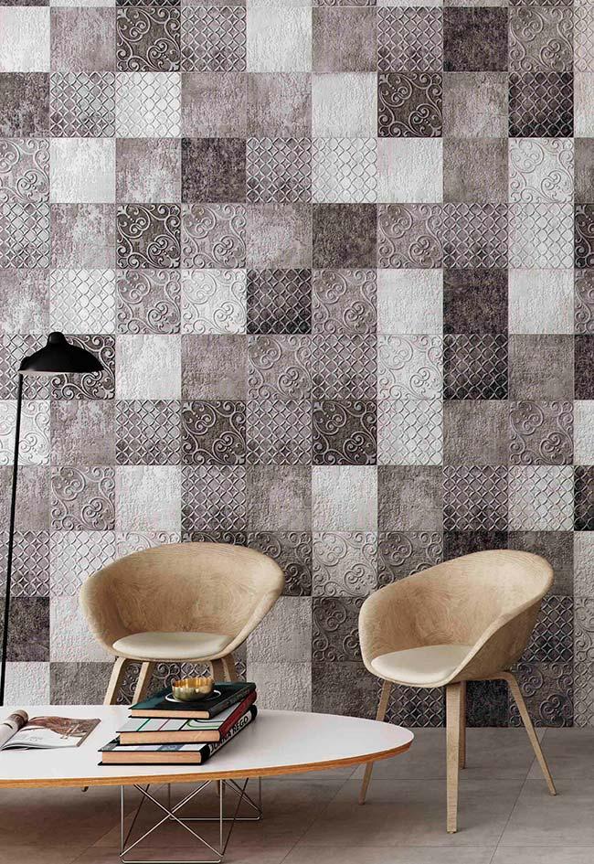 Efeito de tecido na parede, semelhante a um patchwork de tons neutros