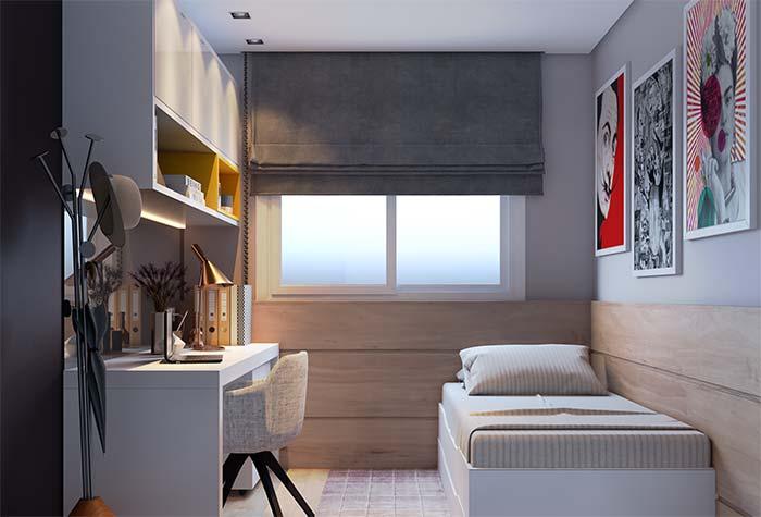 Persiana cinza se destaca na parede e revela o 'truque' do cortineiro embutido