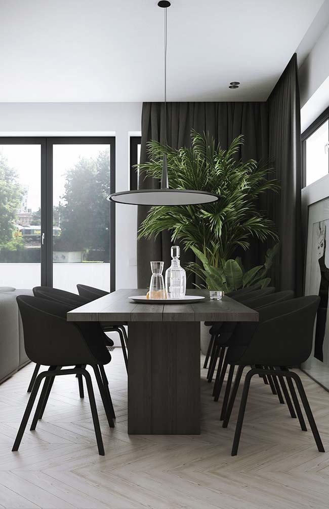 Um cortineiro de canto para acompanhar a necessidade da sala de jantar