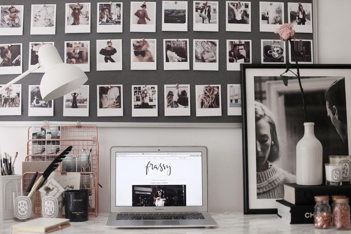 Tachinhas são ótimas para prender fotos junto a um quadro de cortiça ou outro material, como EVA