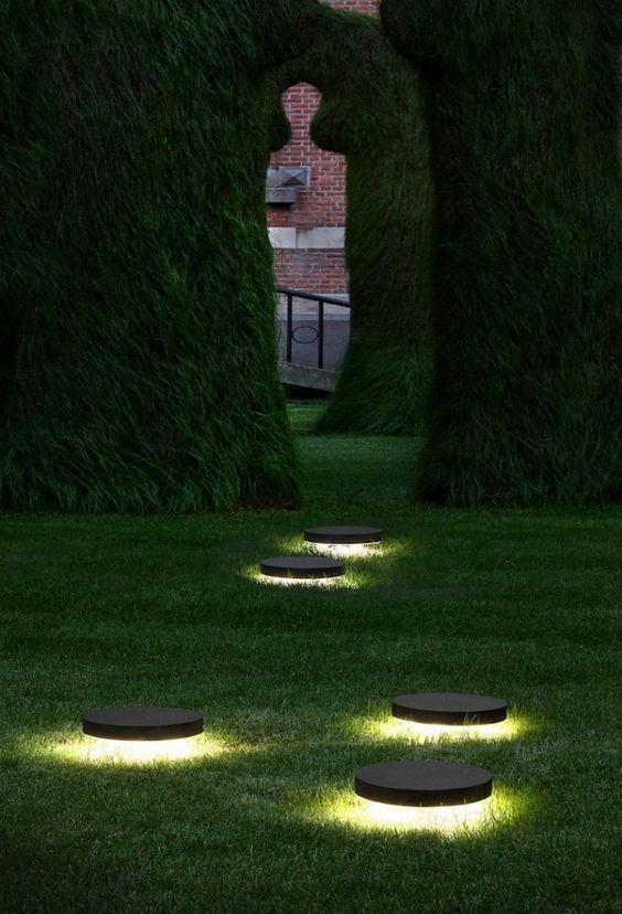 O gramado perfeito ganhou efeito de luzes circulares