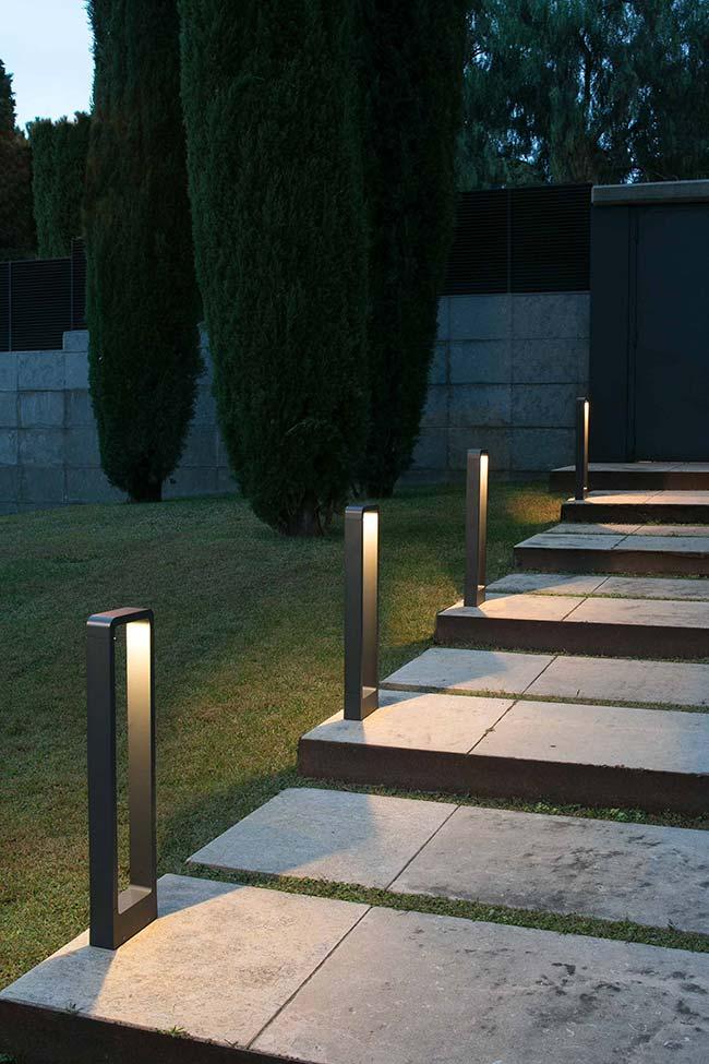 Iluminação de jardim com design moderno e diferenciado