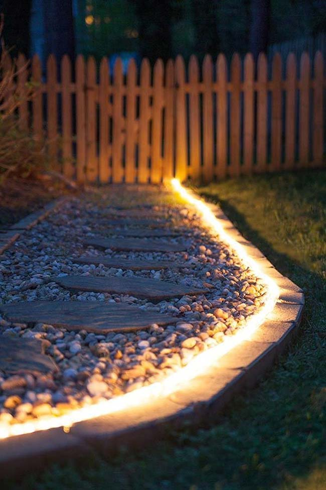 As mangueiras de luz são outra forma de iluminar o jardim unindo beleza e funcionalidade