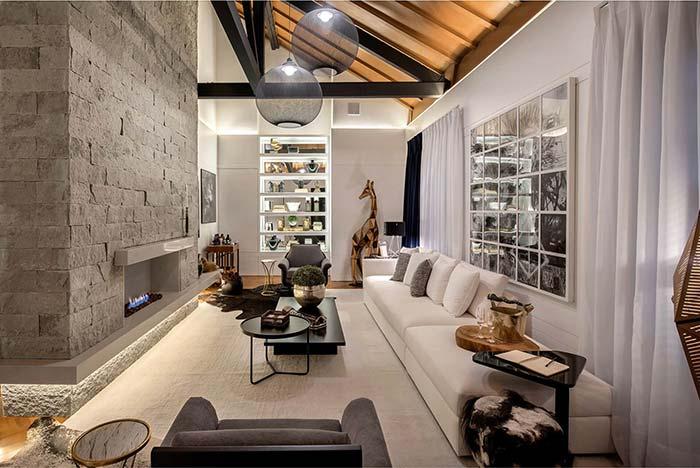 Está pensando em ter uma lareira em casa ou já tem uma? Que tal então revestir o entorno dela com miracemas?