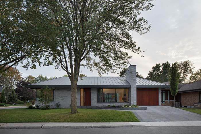Como a fachada de uma casa simples pode ser valorizada