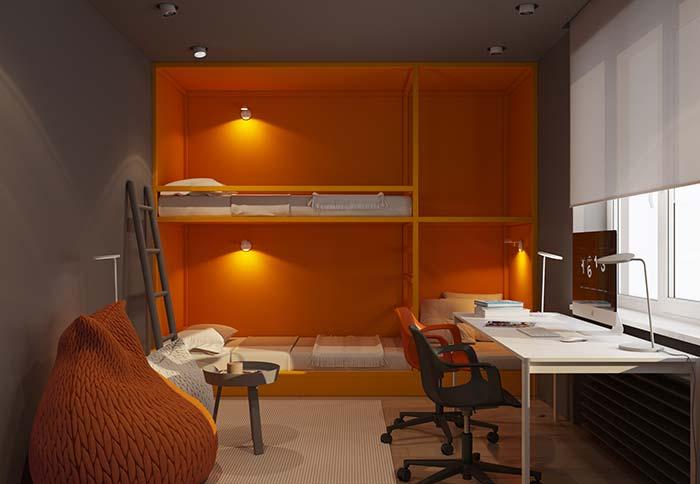 Móveis planejados: a cor viva do beliche planejado em contraste com a parede cinza