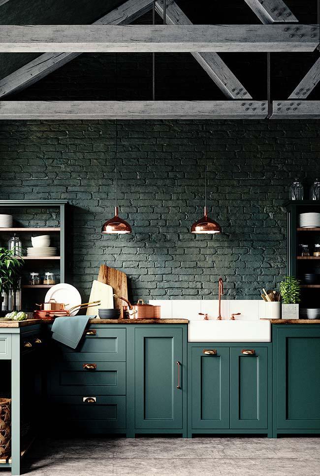 Tudo verde e no mesmo tom por aqui: desde o armário até as paredes