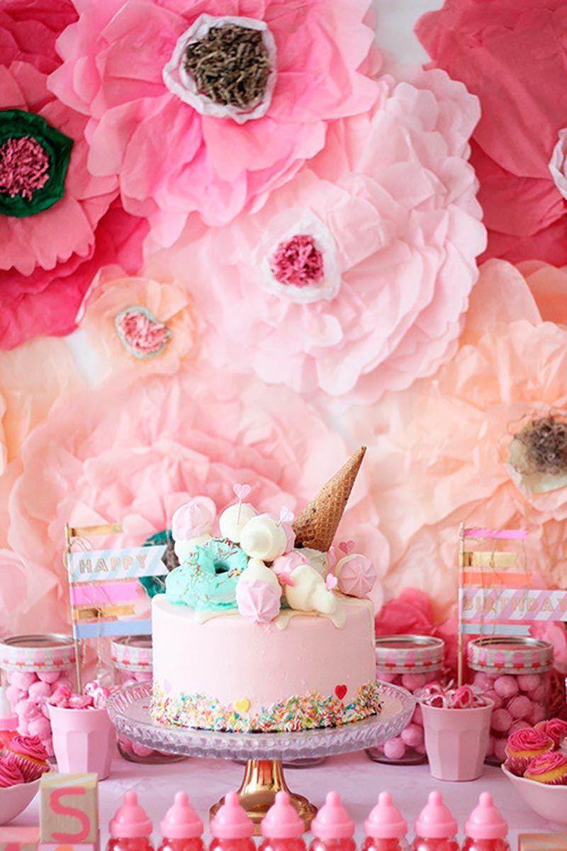 Decoração com papel crepom para aniversário