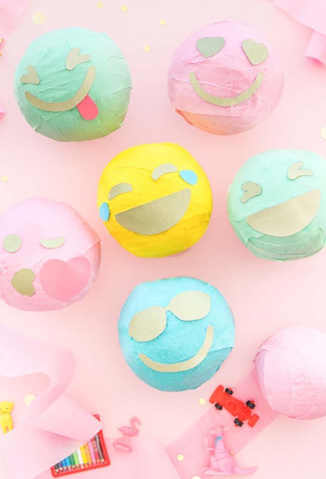 Papel crepom Para decorar sua festa com muitos emojis