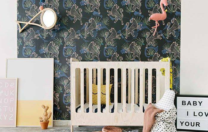 Quarto de bebê com papel de parede: saiba como escolher e veja 65 ideias