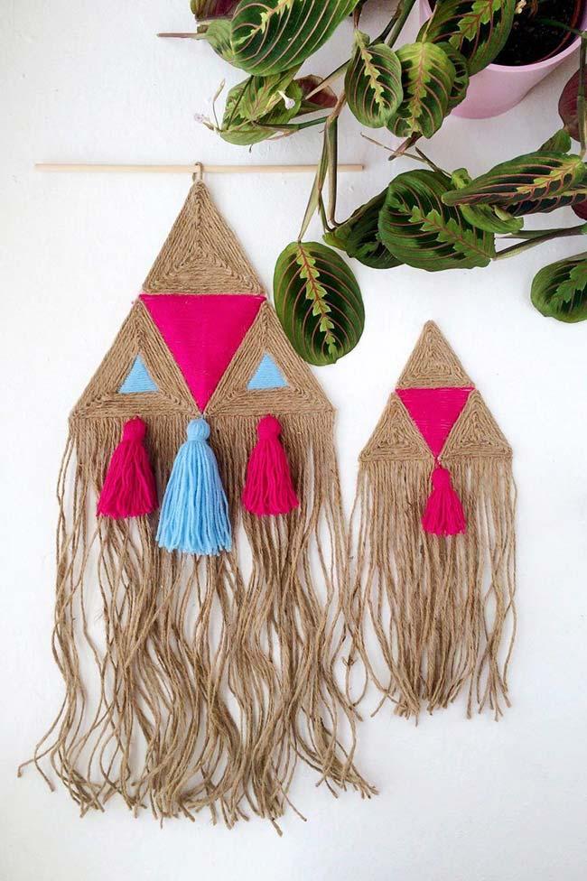 Decoração com juta: tom cru da juta combinado as cores vivas deixa esse artesanato de estilo tribal ainda mais bonito
