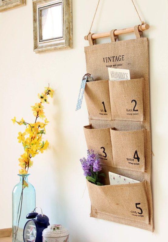Uma ideia linda e que dá para copiar facinho em casa: porta recados de parede