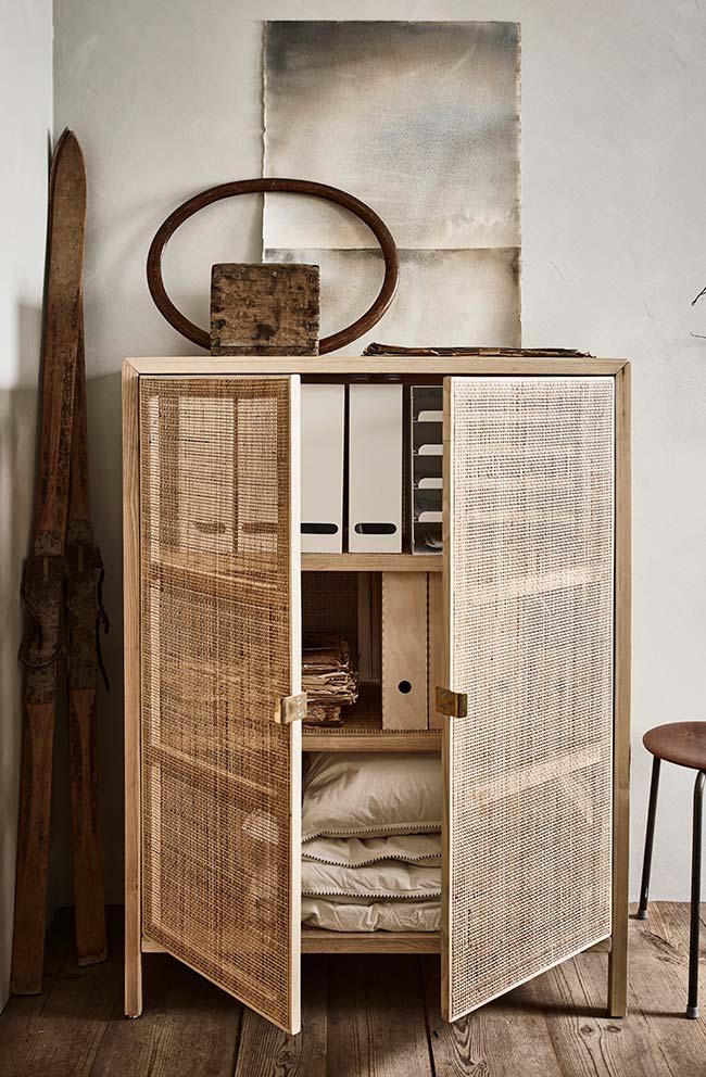Armário com portas de juta: o cúmulo da versatilidade desse tecido