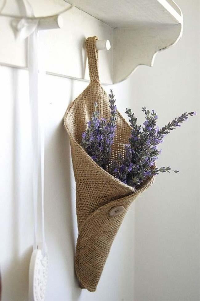 Cone de juta: a sugestão aqui é usá-lo para as flores, mas você pode usar para outras finalidades também