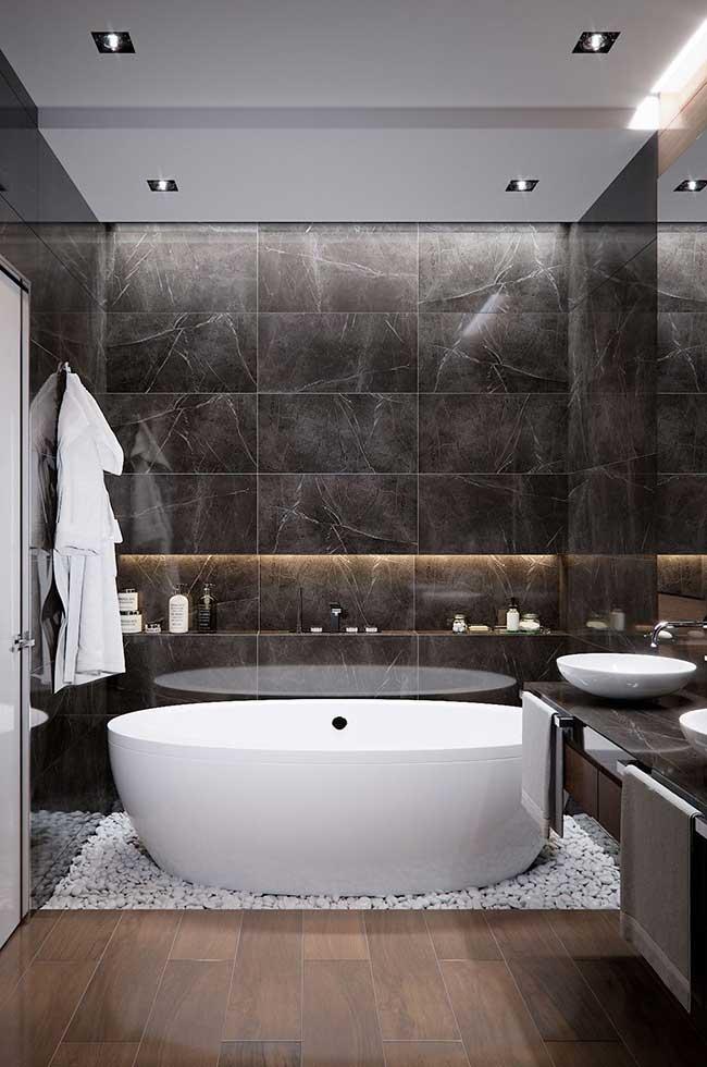 Área de banho com banheiro spa