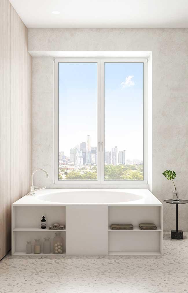 Banheiro spa branco, clean, elegante e com uma vista de tirar o fôlego