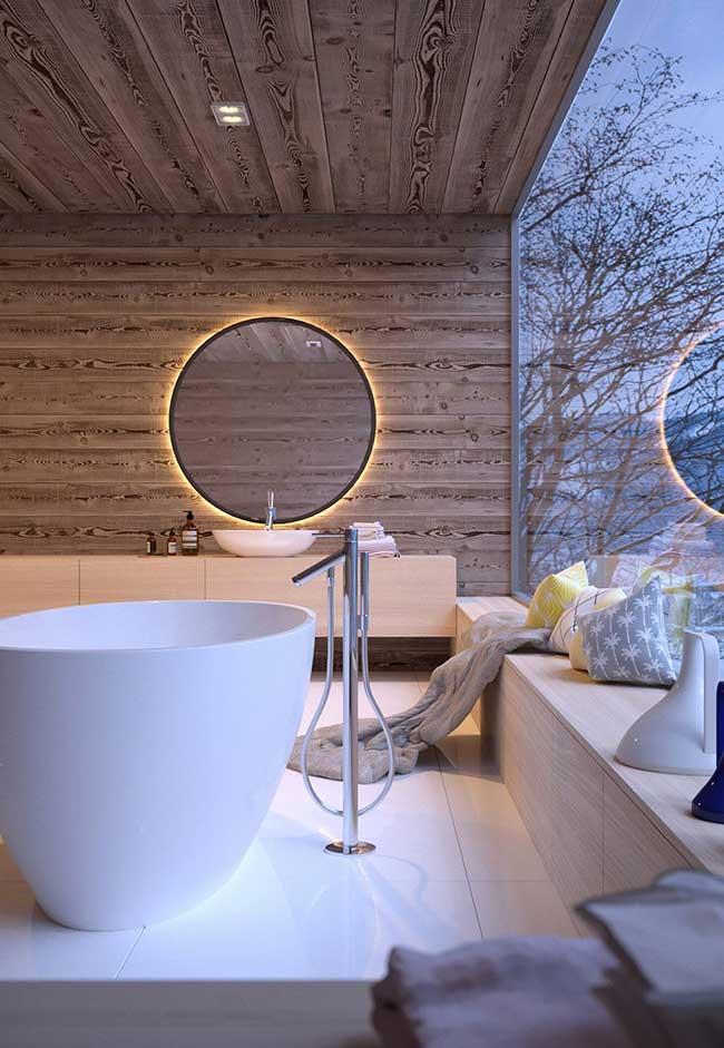Banheiro spa com uma bela paisagem