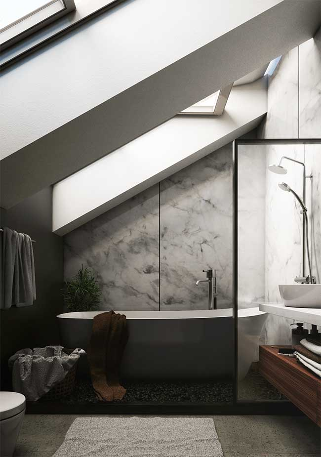 Elementos naturais no banheiro spa