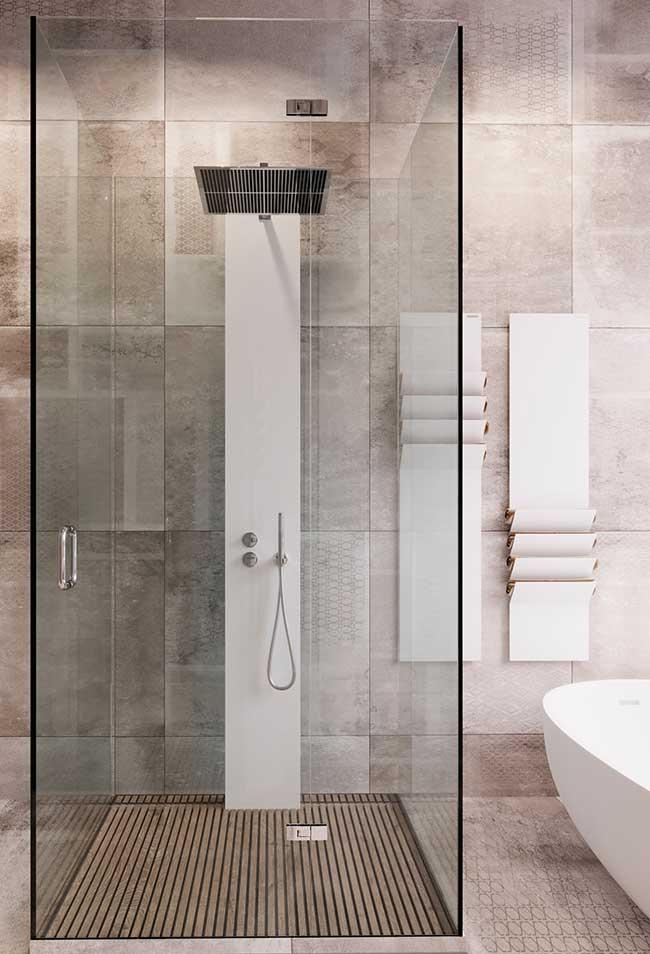 Acabamento para toalhas neste banheiro