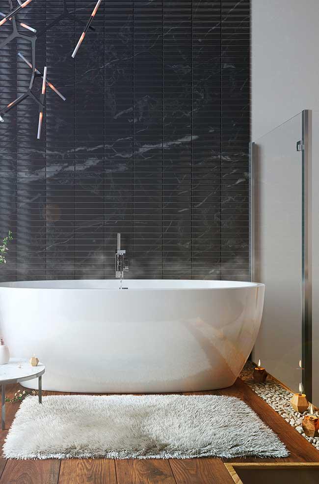 Tapete confortável em banheiro spa