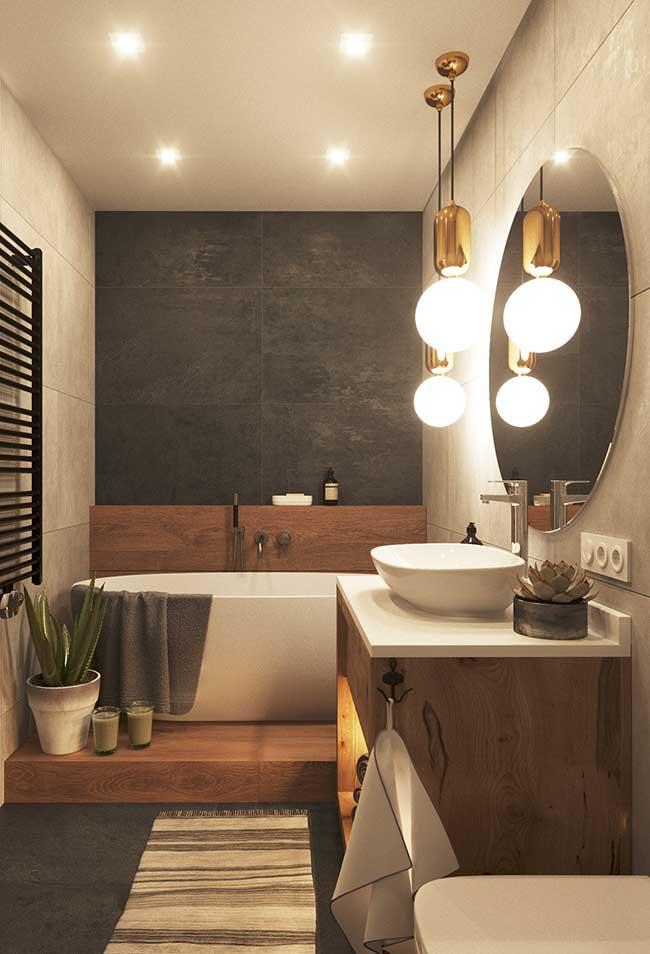 Luz amarela no banheiro spa