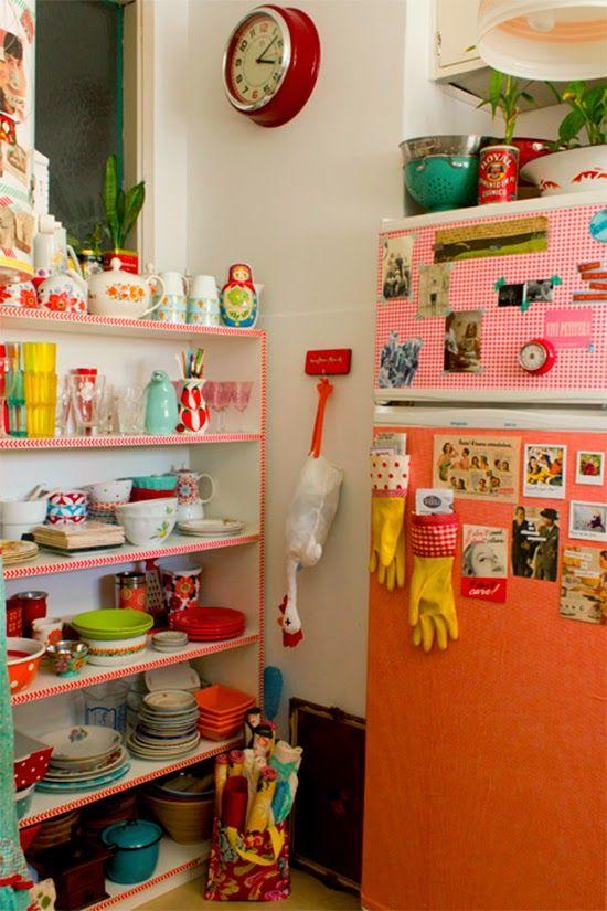 Envelopamento de geladeira colorido e alegre