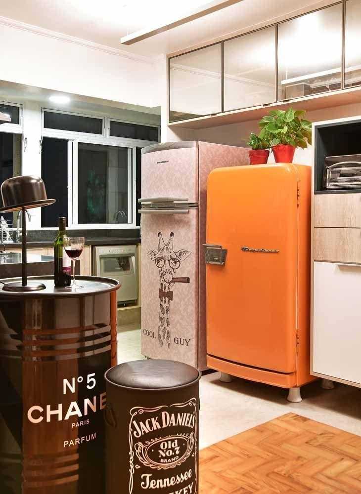 Envelopamento de geladeira retrô