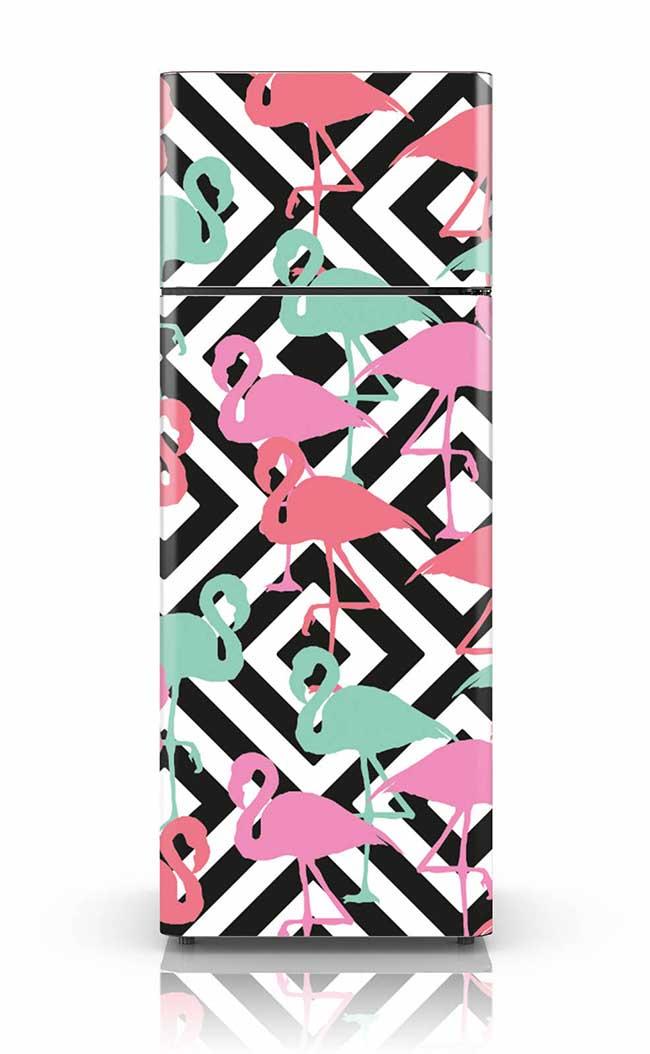 Flamingos e listras: as tendências de decoração na porta da geladeira