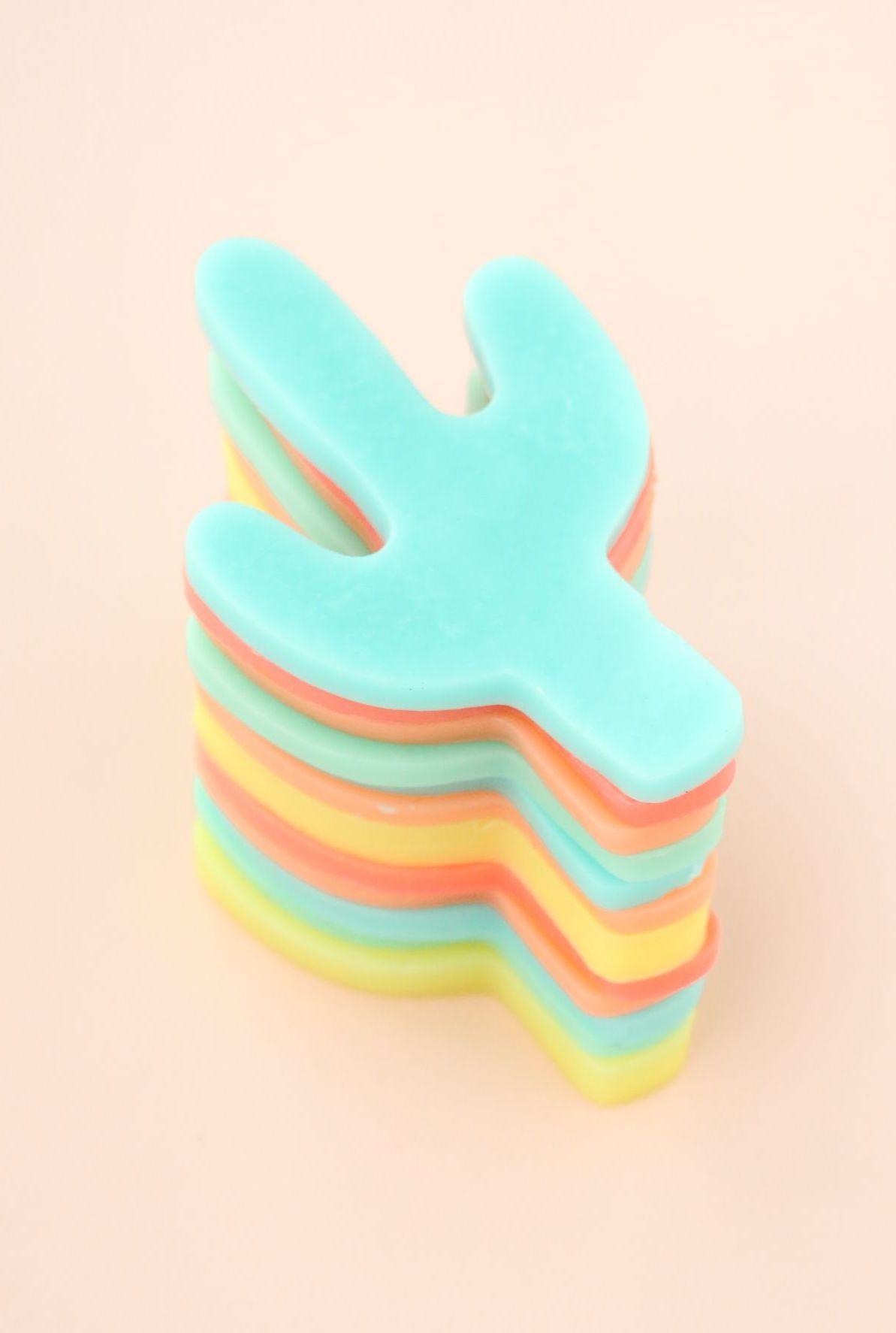 Não é muito fofo esses sabonetinhos em formato de cacto? E tem de todas as cores