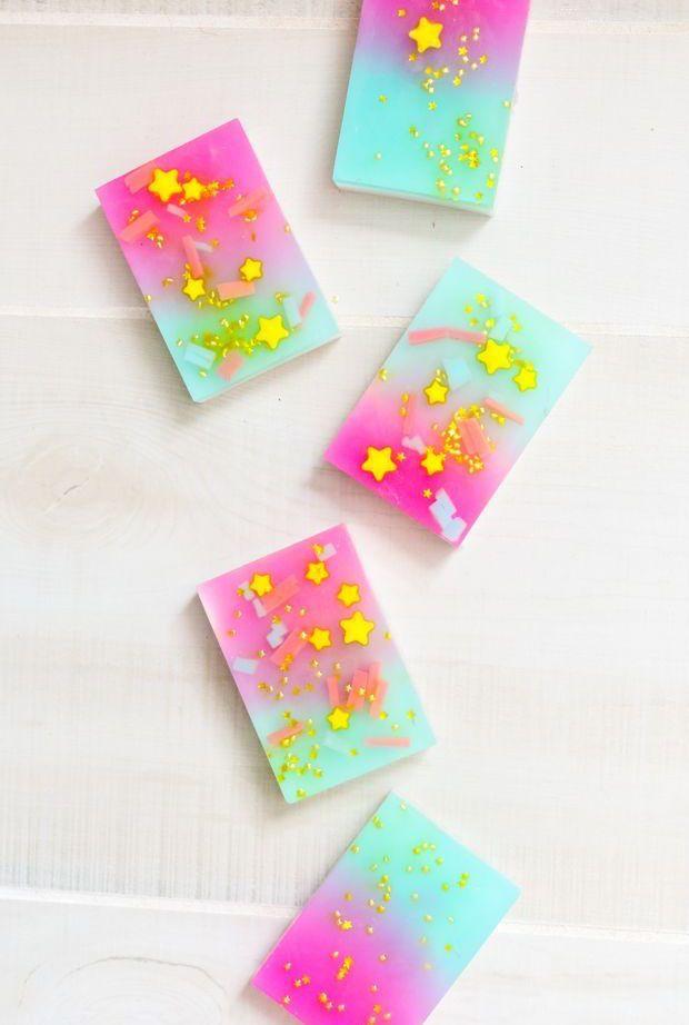 Colorido e estampado: um sabonete artesanal para usar, vender e presentear