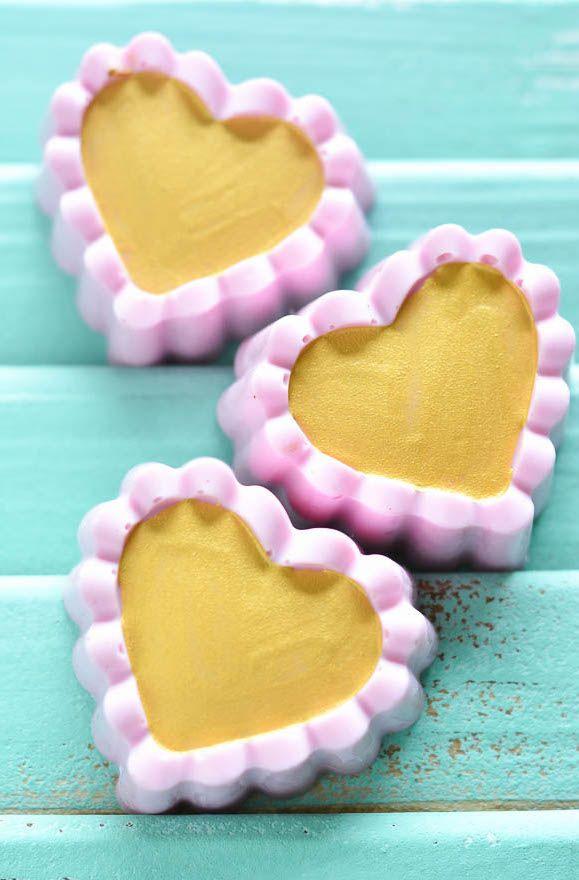 Sabonetes de coração em duas cores