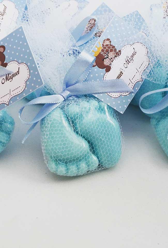 Pézinhos de sabonete decorado para o chá de bebê