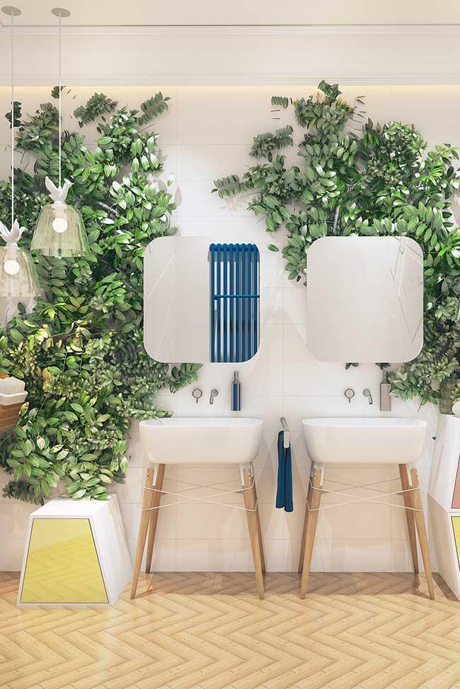 Parede verde banheiro com folhas