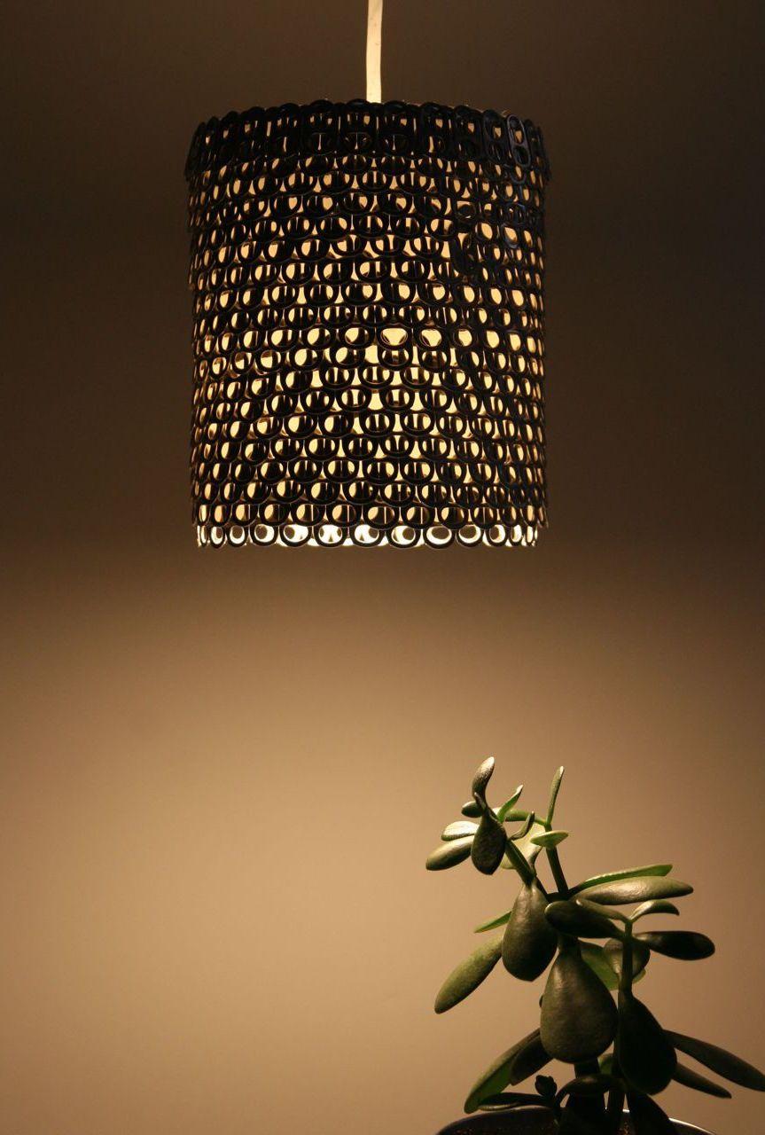 Decoração sustentável: junte lacres de latinhas de alumínio e monte uma linda e moderna luminária