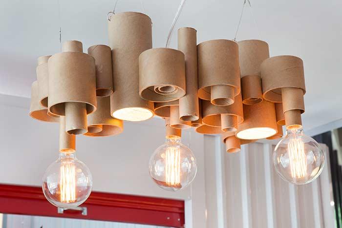 Os tubos de papelão também tem vez na decoração sustentável