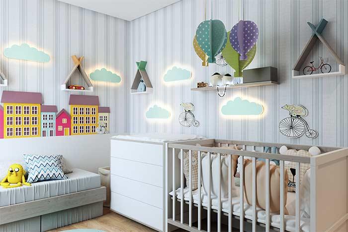 quarto de bebê apostou em nichos com formato diferente