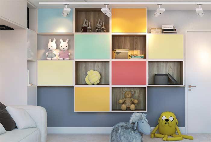 Nichos para quarto de criança como tem que ser: coloridos e com os brinquedinhos para decorar