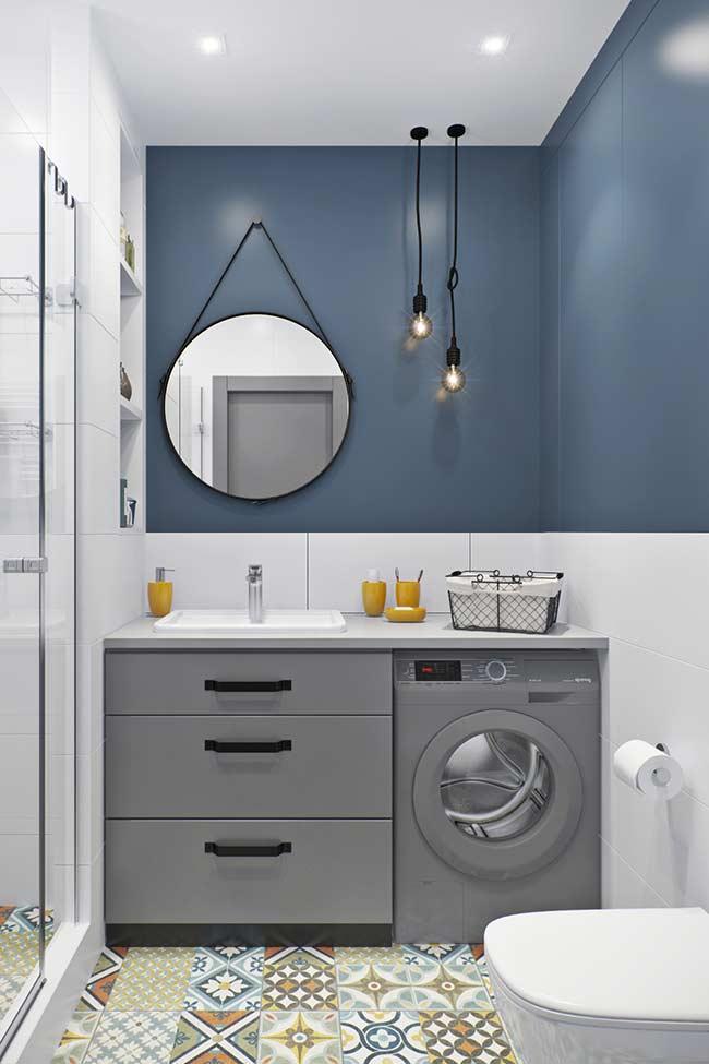 Banheiro com azul petróleo