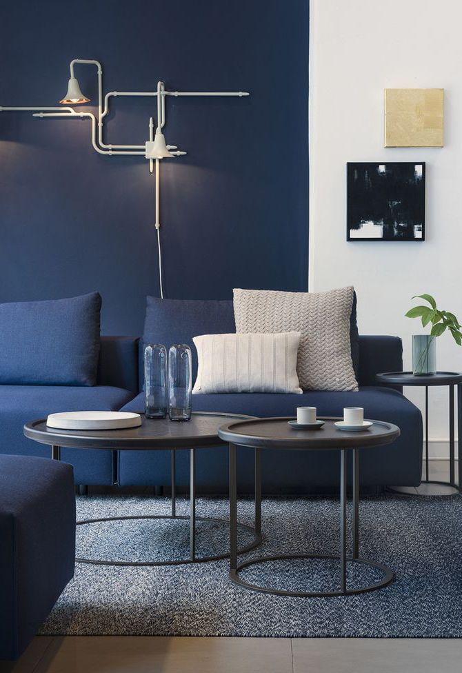 Essa sala é perfeita para quem busca por uma decoração azul petróleo mais 'completa'
