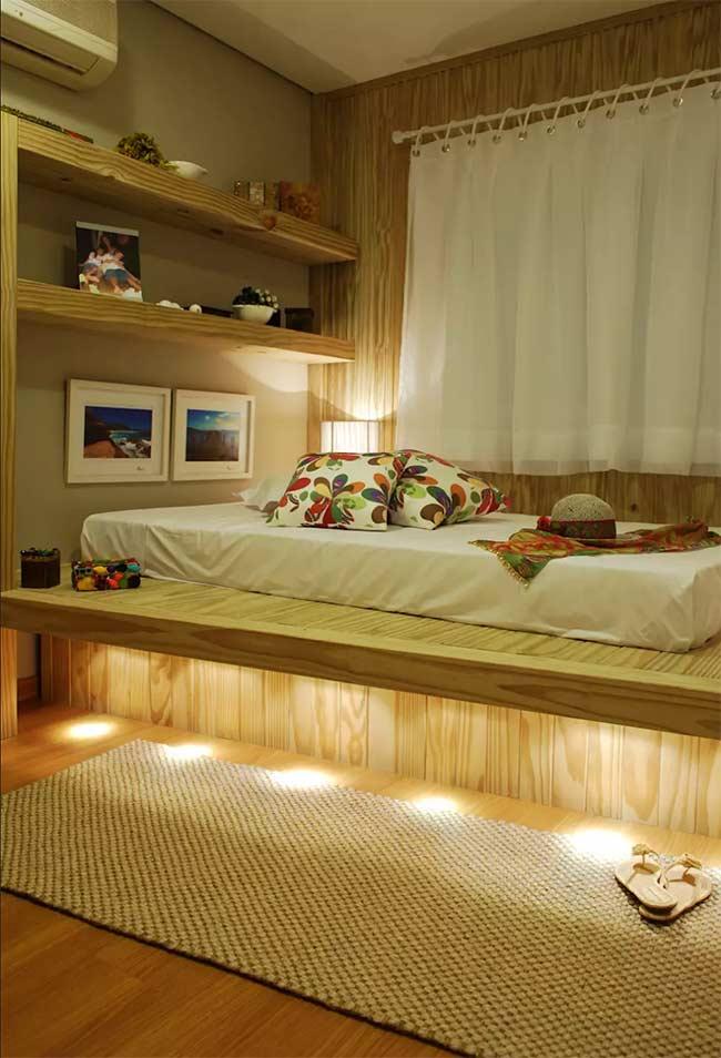 Já pensou em como seria dormir sobre um deck de madeira?